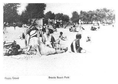 """A Happy Crowd"" Bronte Beach Park"