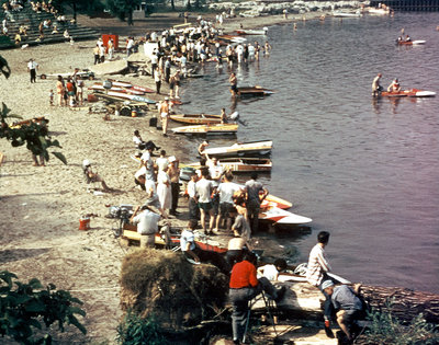 Motorboat races at Bronte Beach