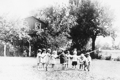 Children playing at Bronte Fresh Air Home