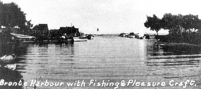 Bronte Harbour with Fishing and Pleasure Craft