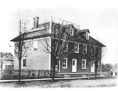 Glendella Cottage (Thompson's Inn)