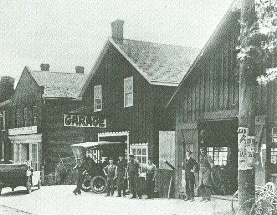 Wm. Whitaker & Sons Garage. Courtesy of the Oakville Historical Society