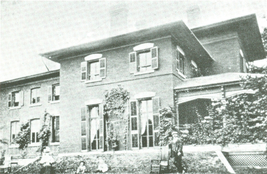 The Armstrong Residence. Courtesy of the Oakville Historical Society
