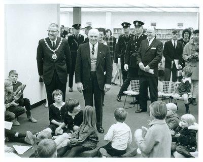 Hon. Earl Rowe on Tour of the Oakville Centennial Centre