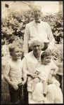 Hart children with grandparents