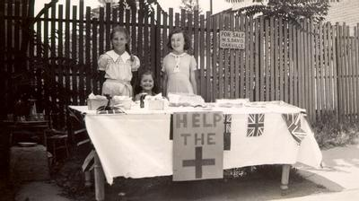 Children raising money for the Red Cross during the Second World War. Courtesy the Oakville Museum.